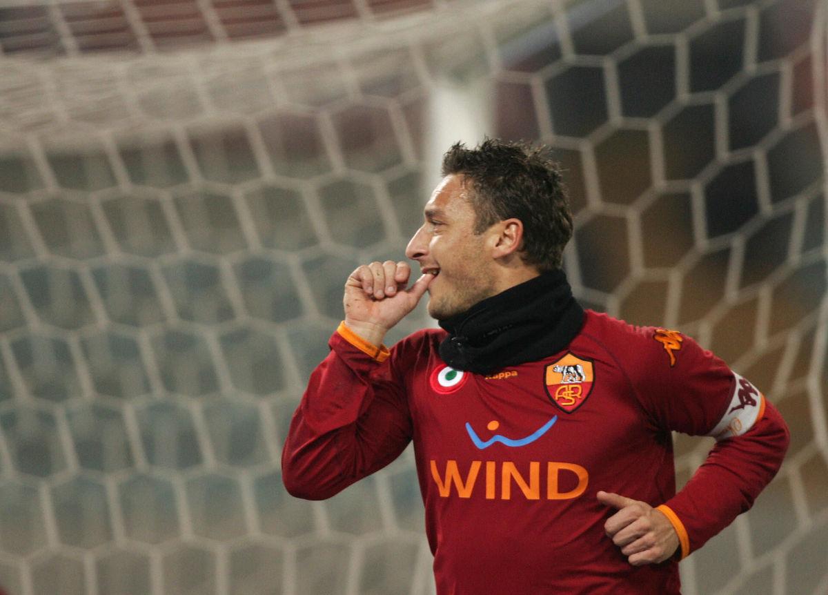 as-roma-s-forward-and-captain-francesco-5bacdd68f4f2124f2e00000b.jpg