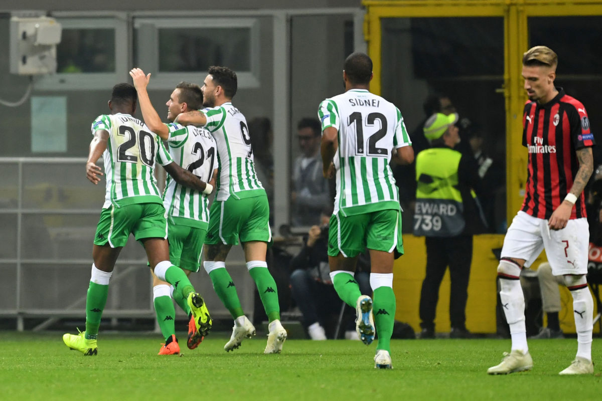 ac-milan-v-real-betis-uefa-europa-league-group-f-5bd76d347362b1d1e2000001.jpg