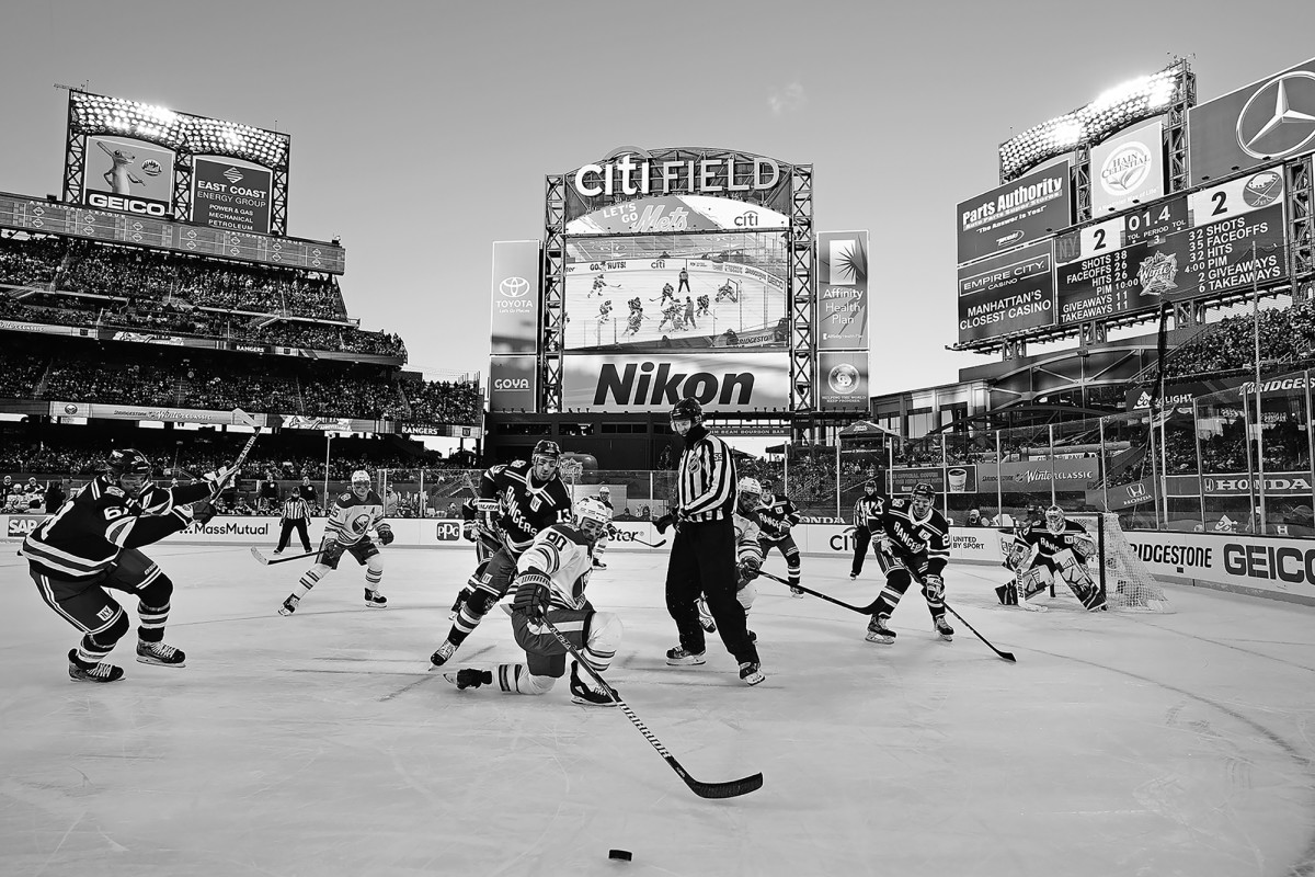 Buffalo Sabres vs. New York Rangers, 2018 Bridgestone Winter NHL Classic