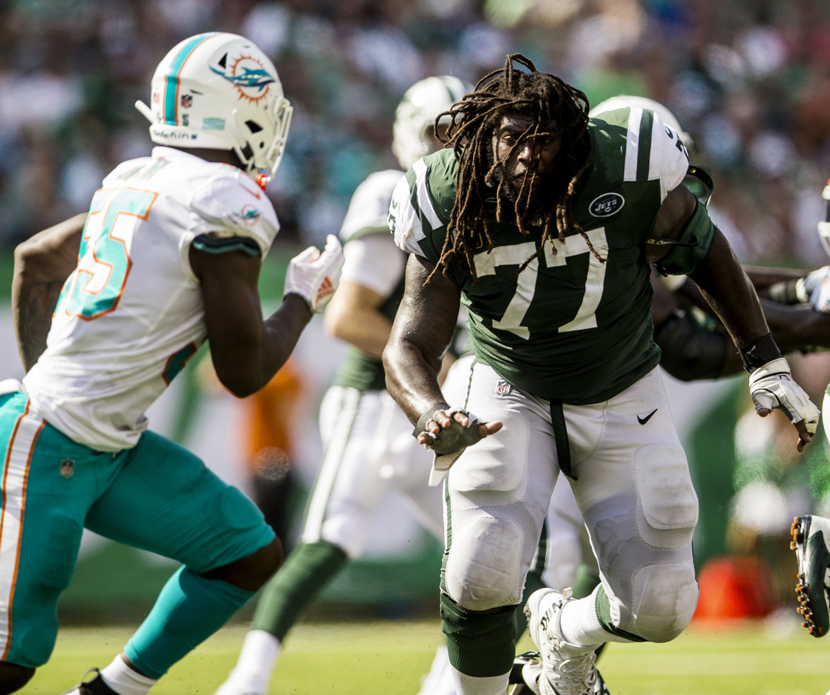 New York Jets guard James Carpenter against the Miami Dolphins