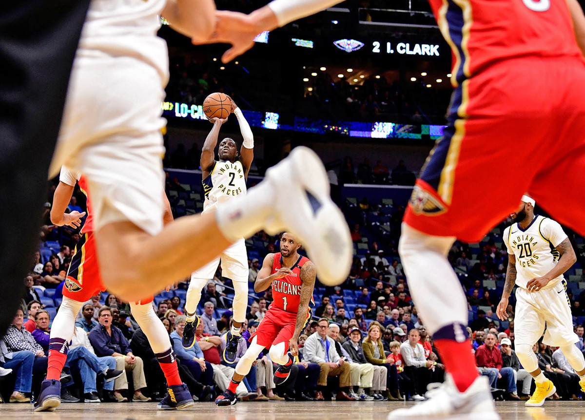 Indiana Pacers Darren Collison against the New Orleans Pelicans at Smoothie King Center