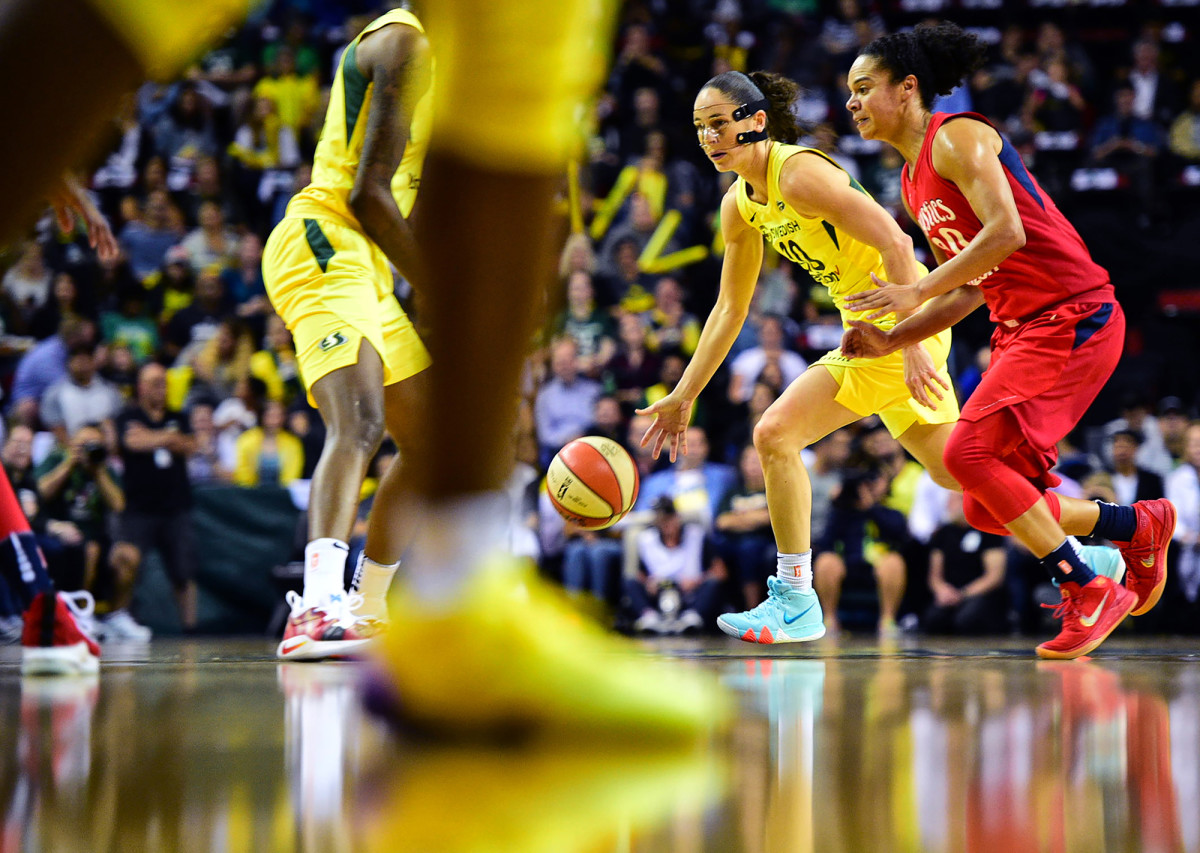 Seattle Storm's Sue Bird against the Washington Mystics in Game 1 of the WNBA Finals