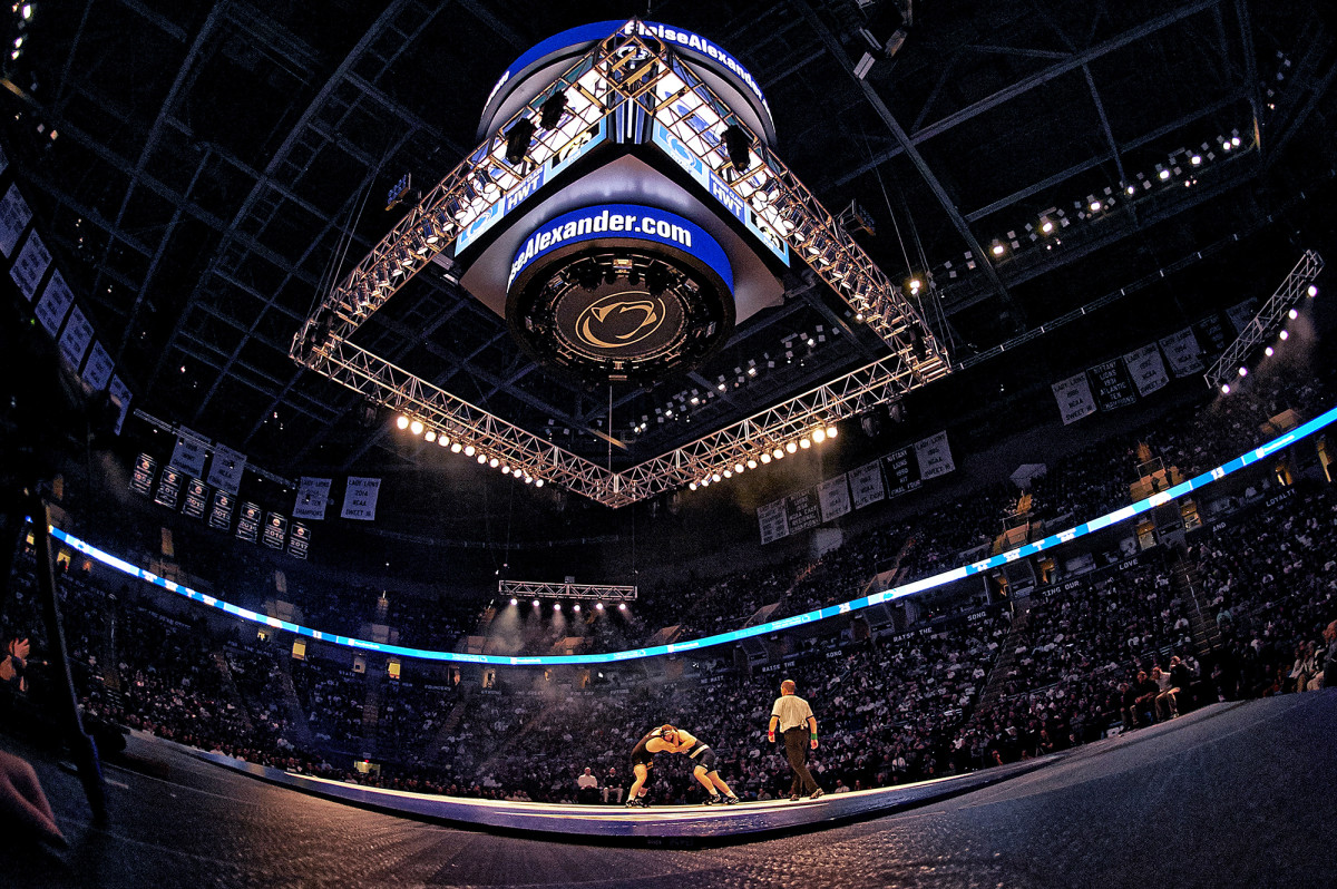 Penn State Nittany Lions vs. Iowa Hawkeyes compete in wrestling