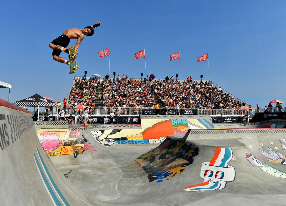 Heimana Reynolds competes in the men's pro competition at Vans Off The Wall Skatepark