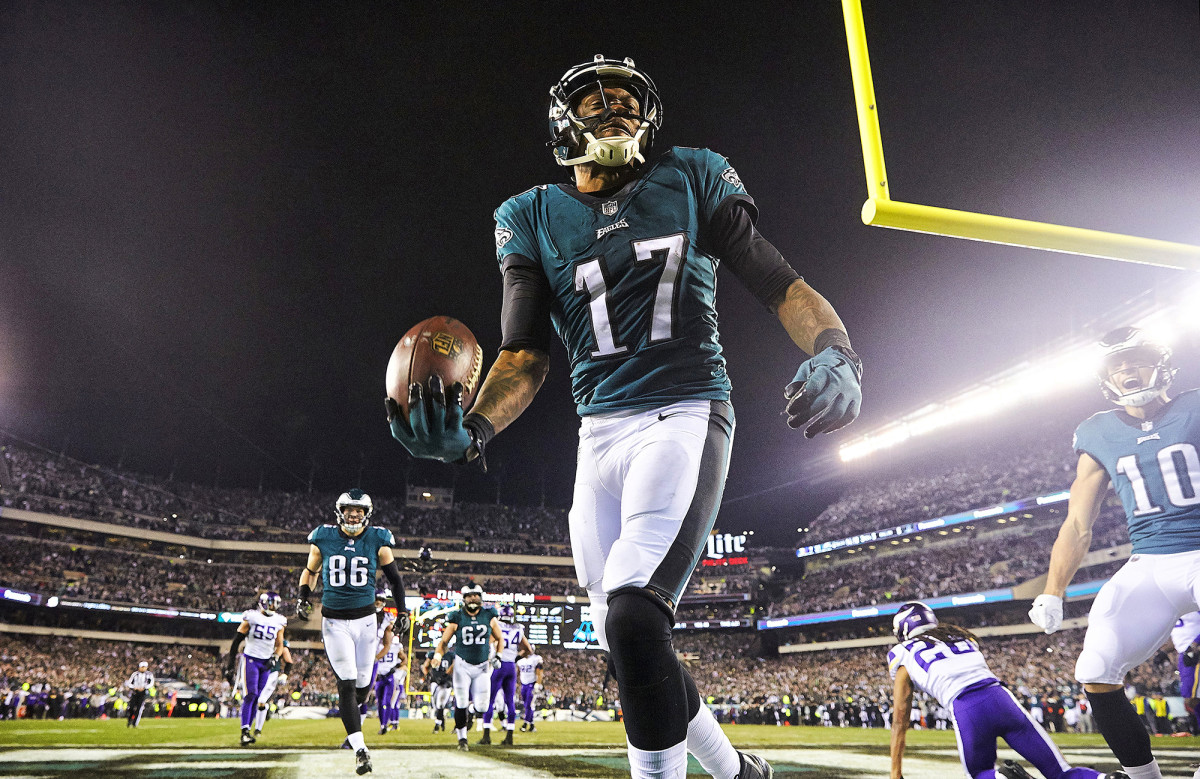 Philadelphia Eagles wide receiver Alshon Jeffery after scoring touchdown against the Minnesota Vikings