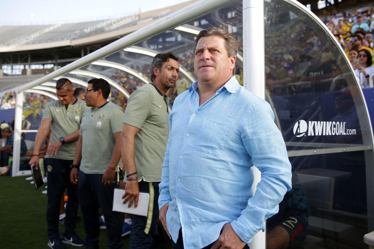 club-america-v-santos-laguna-friendly-match-5b5bccaa347a027b0800001a.jpg