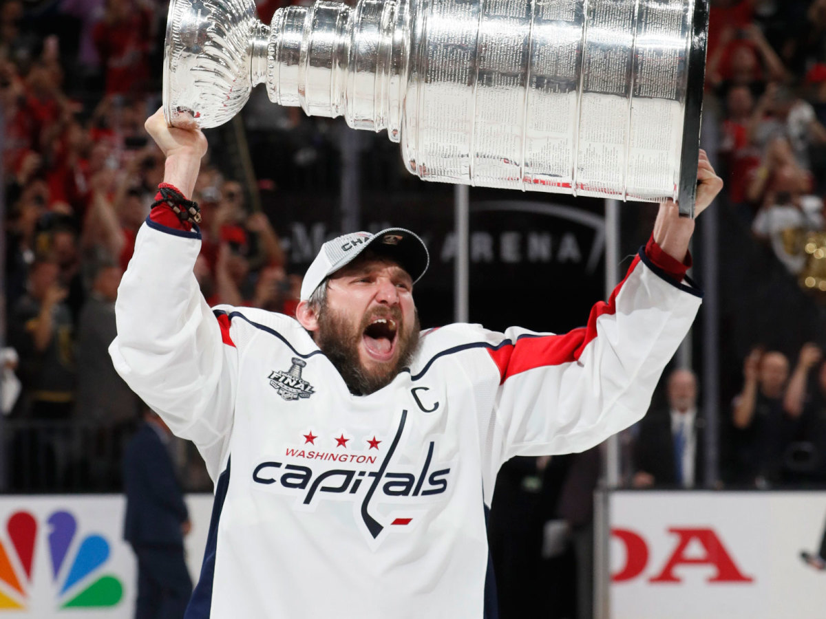 ovechkin-stanley-cup-raised.jpg