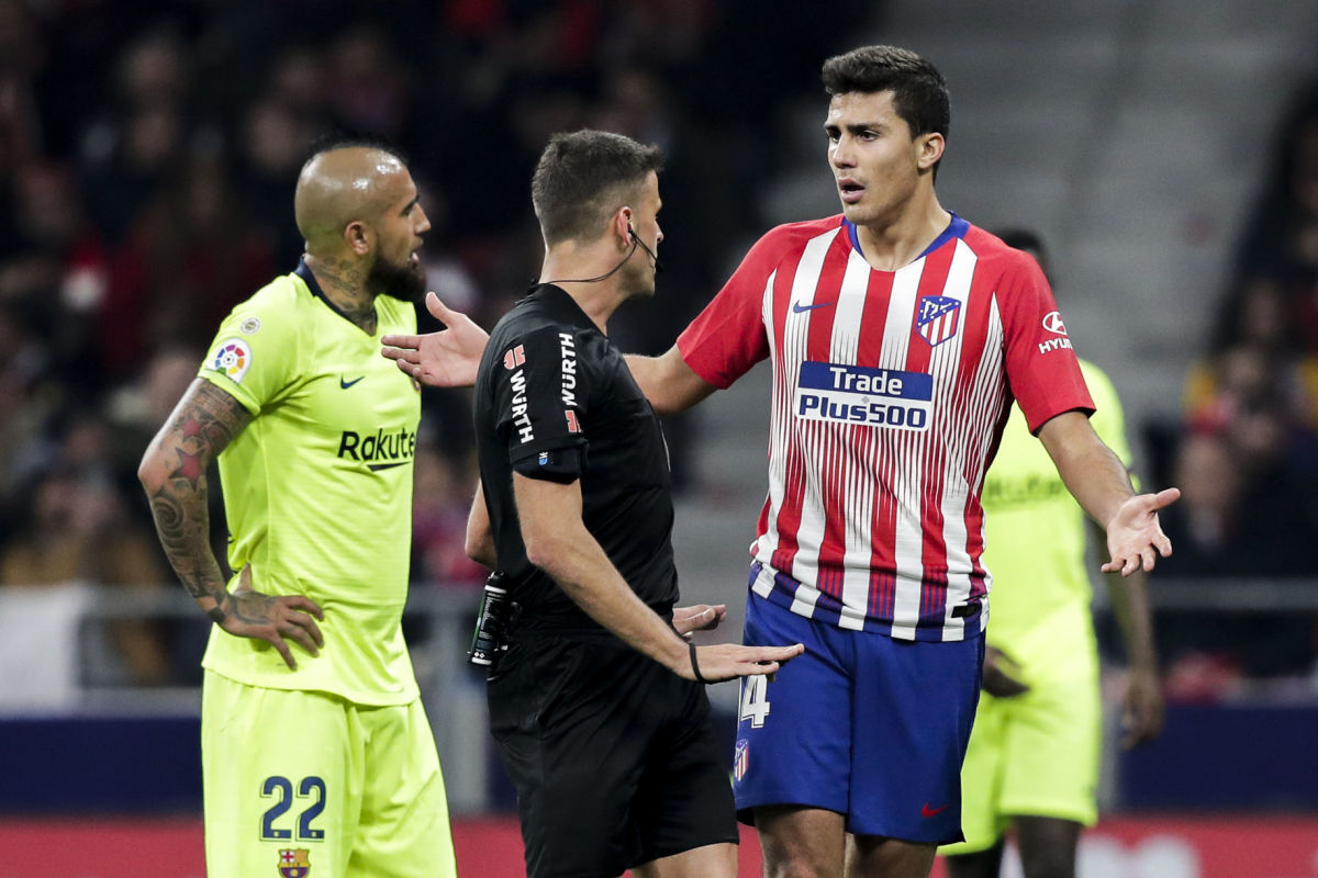 atletico-madrid-v-fc-barcelona-la-liga-santander-5bfc208d676a505356000001.jpg