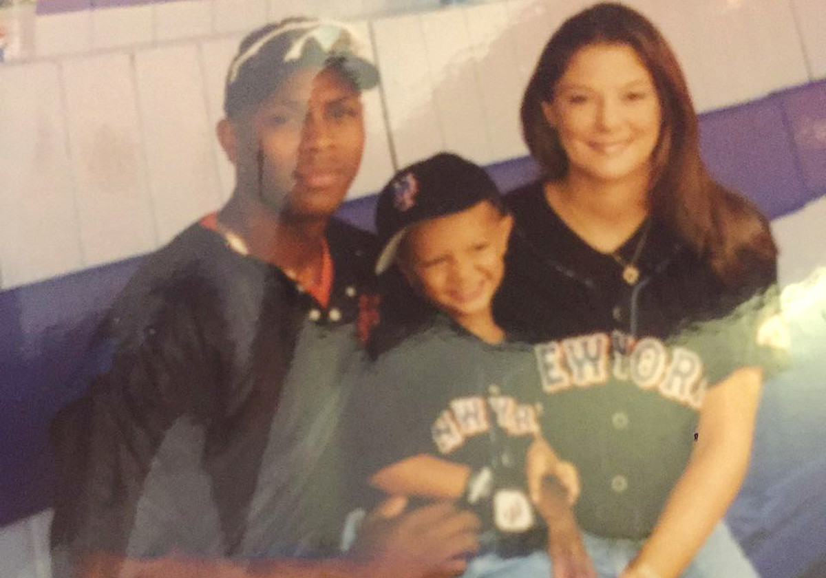 A young Patrick Mahomes (center) with his father Pat Mahomes and mother Randi.