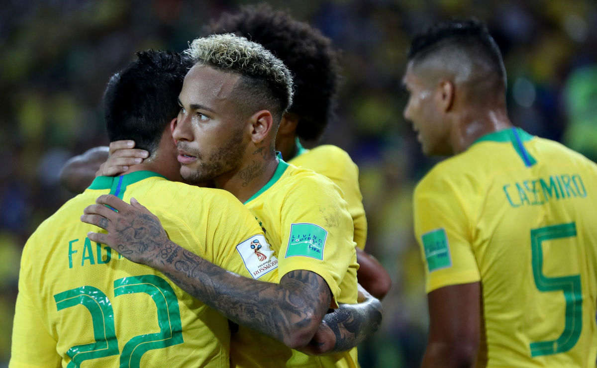 serbia-v-brazil-group-e-2018-fifa-world-cup-russia-5b33eae33467ac7950000002.jpg