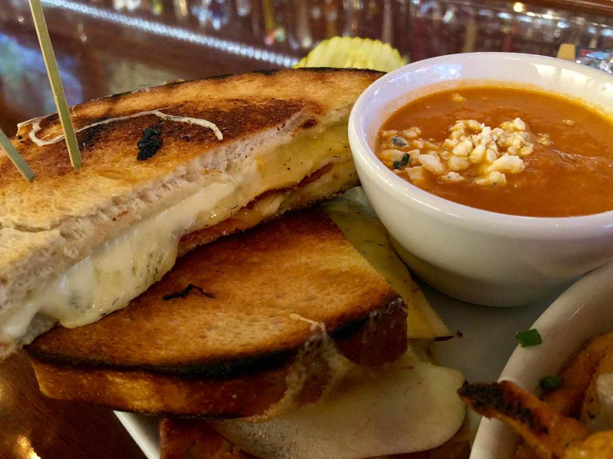 hopcat-grilled-cheese.jpg