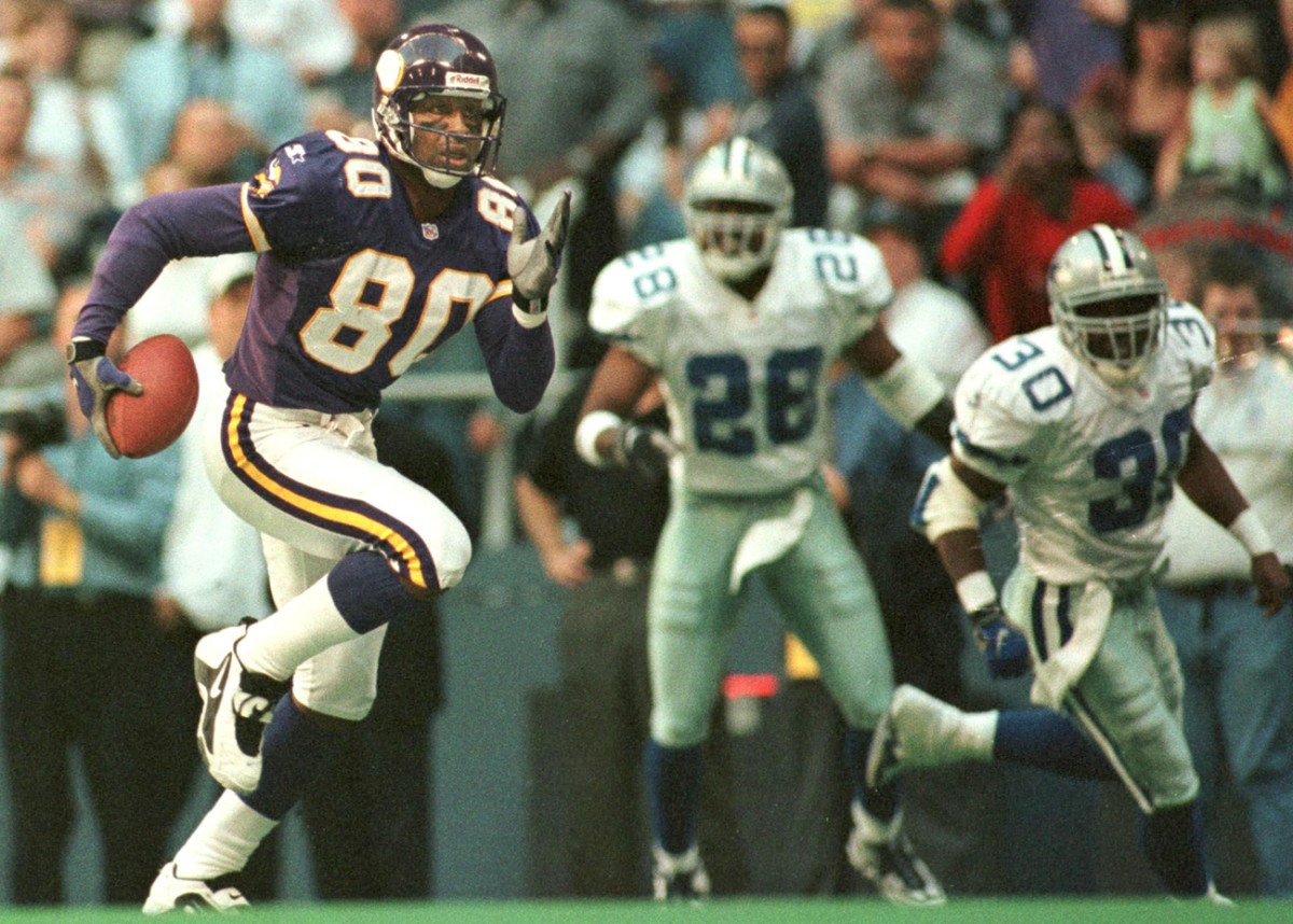 A future Hall of Famer, Carter would earn his sixth straight Pro Bowl nod in the 1998 season.