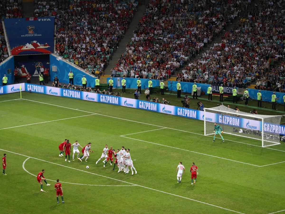 cristiano-ronaldo-free-kick-world-cup.jpg