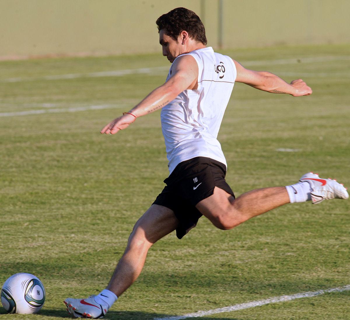 paraguayan-football-player-salvador-caba-5bbbcd8a0d9e2bdb4a000001.jpg