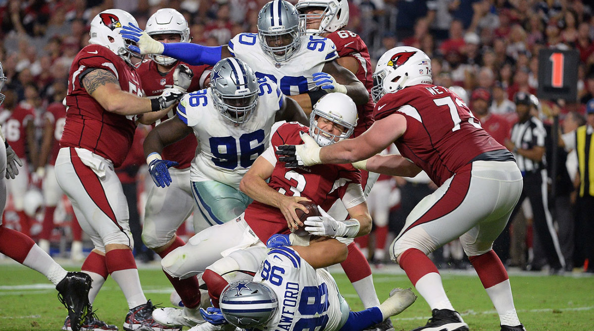 What do you expect Cardinals QB Carson Palmer to do when he's facing pressure like this?