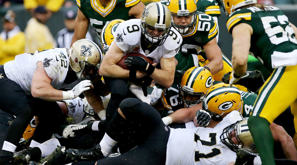 Drew Brees got his 500th passing touchdown and an additional rushing score in a road victory.