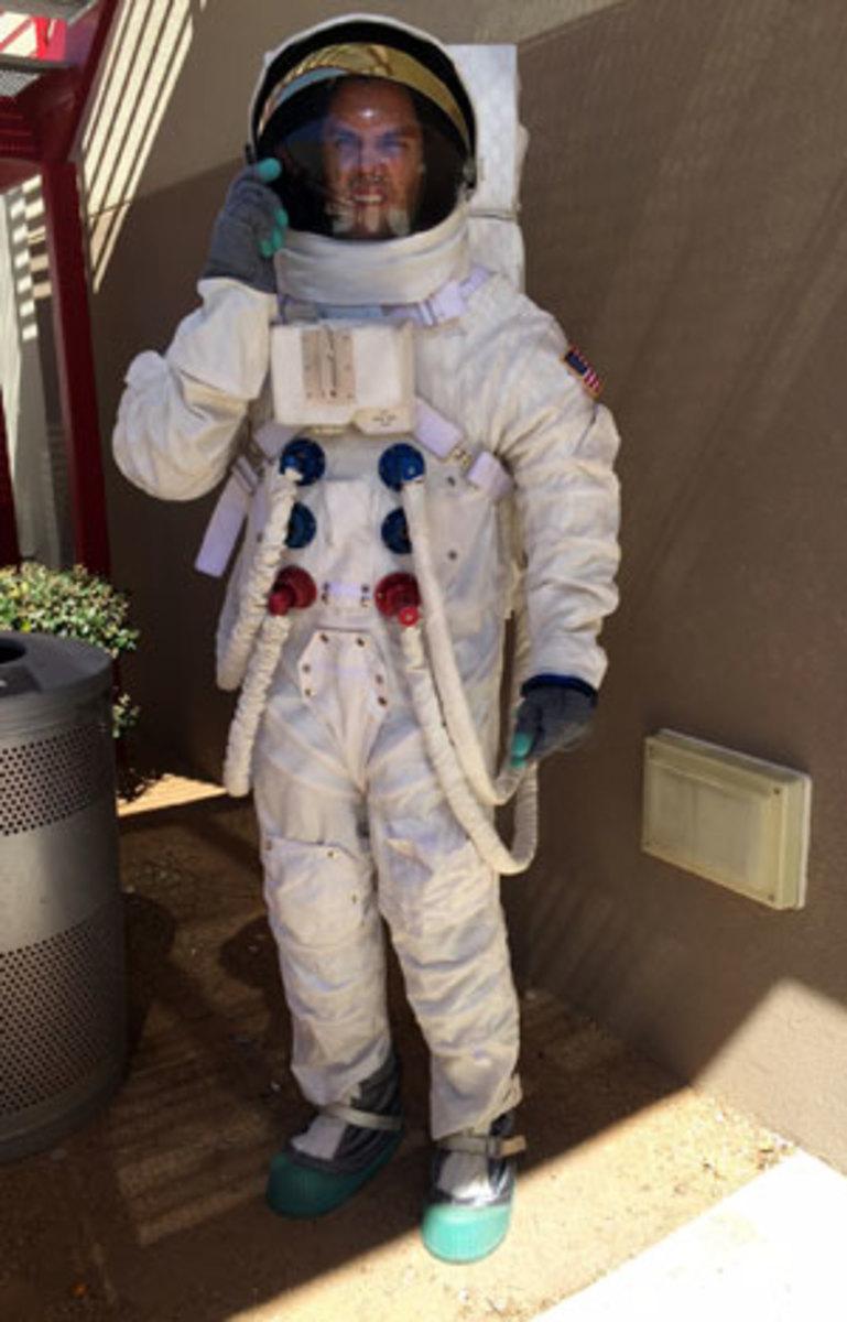 delicate-moron-part-4-space-suit.jpg