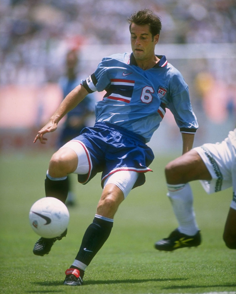 1995-98-USA-third-uniform-John-Harkes.jpg