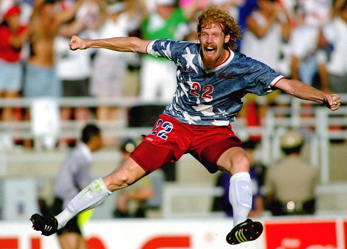 1994-USA-home-uniform-Alexi-Lalas.jpg