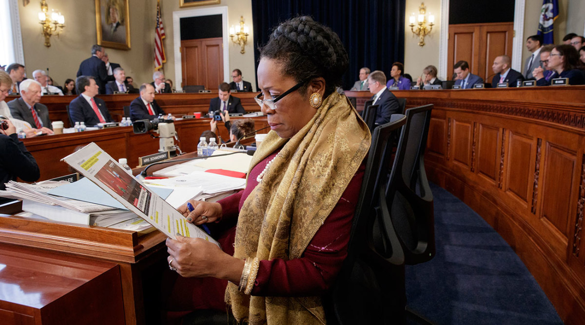 Rep. Sheila Jackson Lee (D-TX) expanded Colin Kaepernick's movement by kneeling on the U.S. House floor.