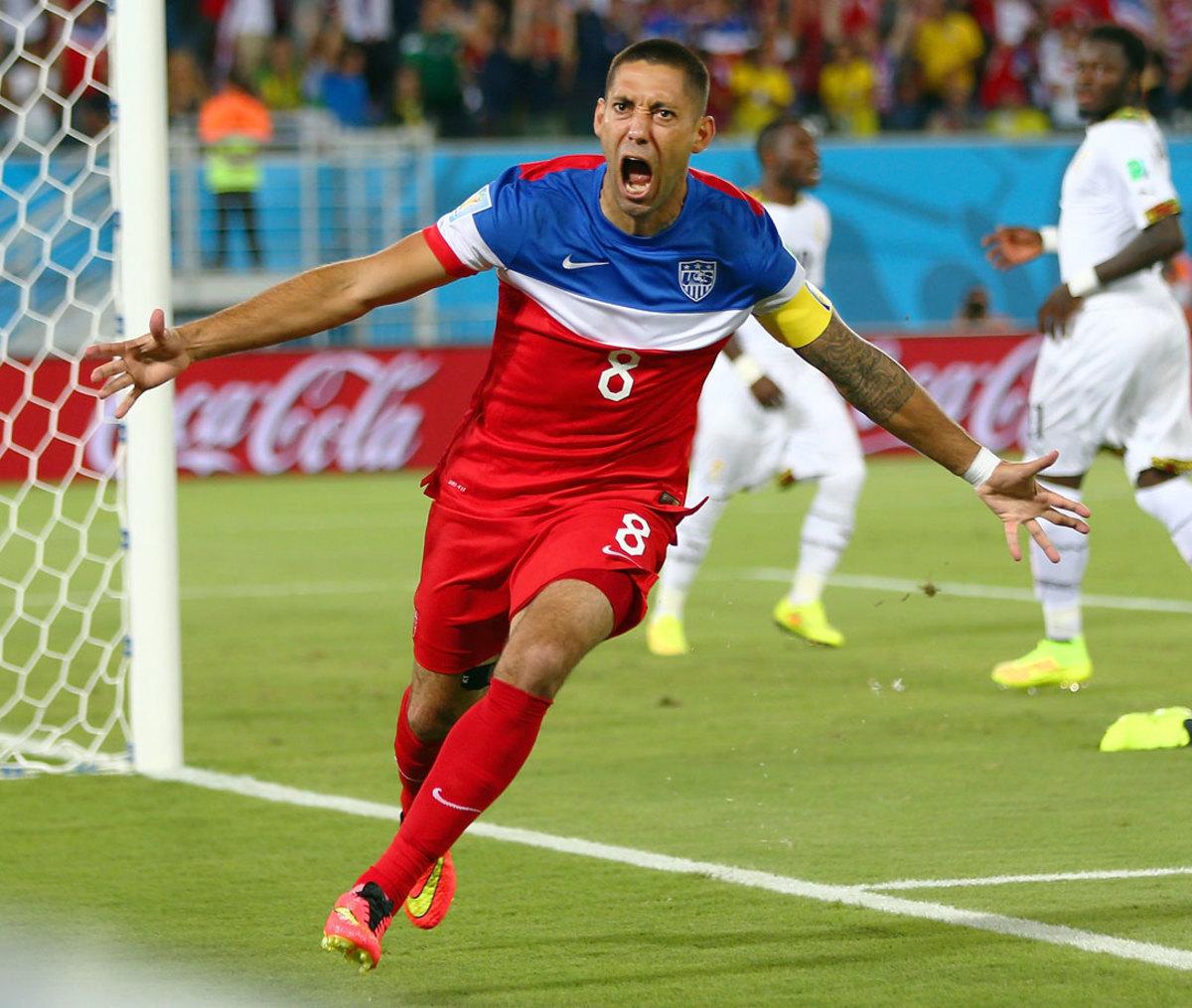 2014-USA-away-uniform-Clint-Dempsey.jpg