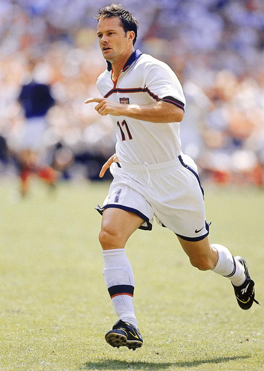 1998-USA-away-uniform-Eric-Wynalda-080090724final.jpg