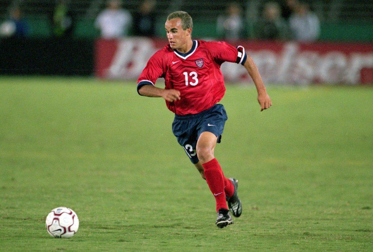 2000-USA-road-uniform-Landon-Donovan.jpg