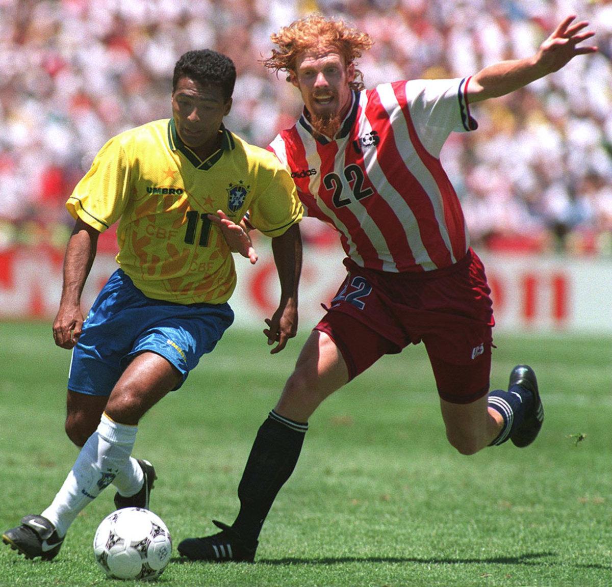 1994-USA-away-uniform-Alexi-Lalas.jpg