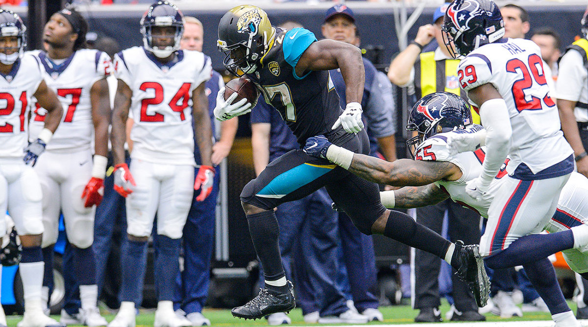 Leonard Fournette tallied 100 rushing yards and a touchdown, capped off by 24 receiving yards, in his NFL debut with the Jaguars.