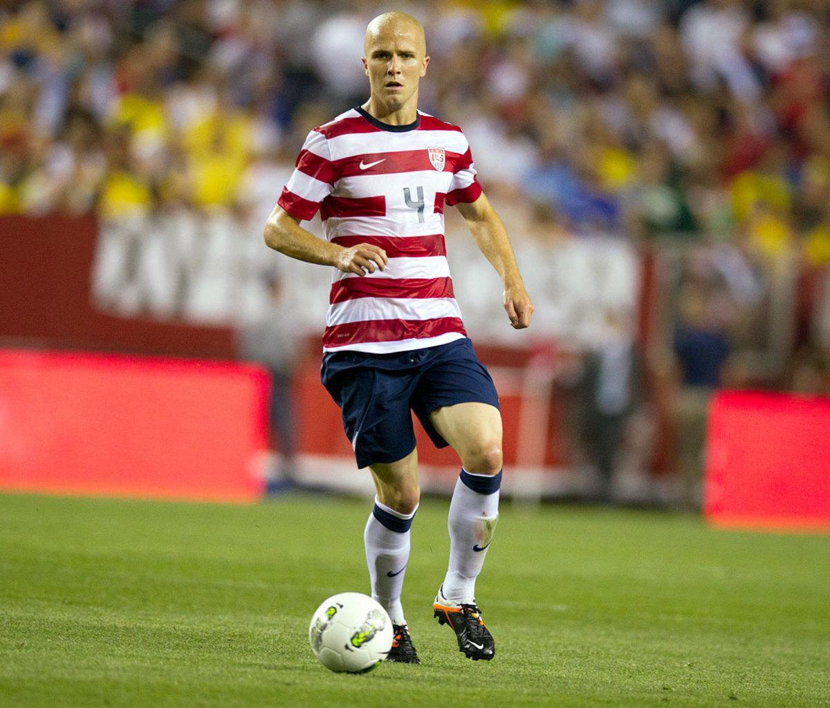 2012-USA-home-uniform-Michael-Bradley-opx9-105976.jpg