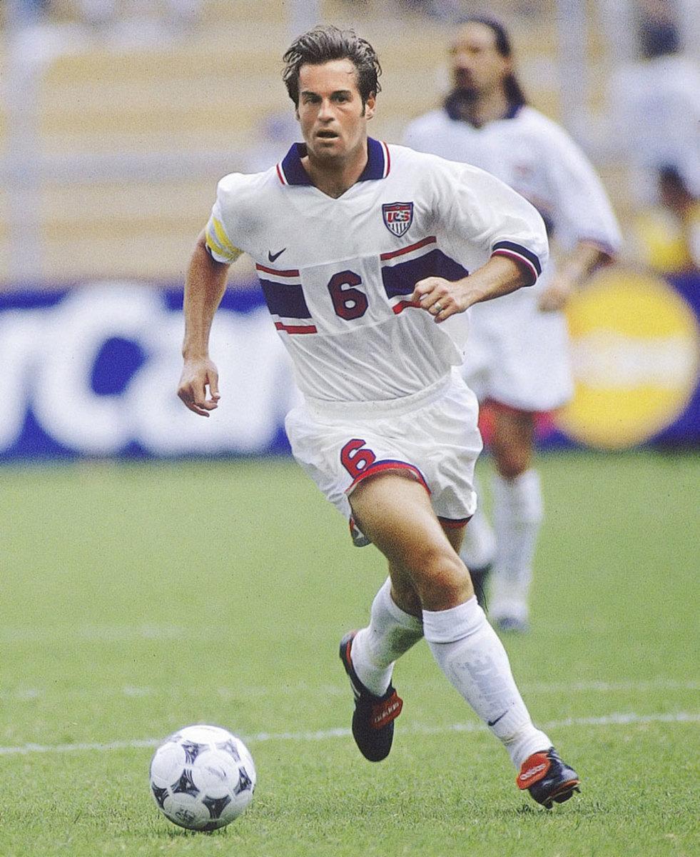 1995-98-USA-home-uniform-John-Harkes-080090725final.jpg