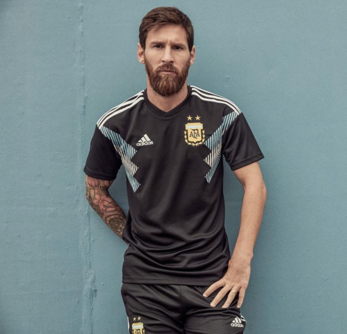Argentina-Messi-Away.jpg