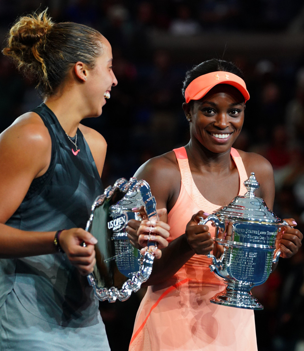 sloane-stephens-madison-keys-trophy-ceremony.jpg