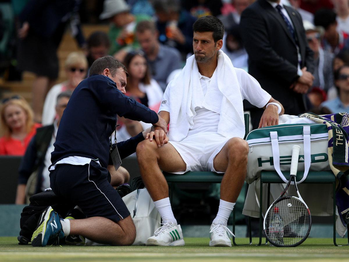 novak-djokkovic-wimbledon-injury.jpg
