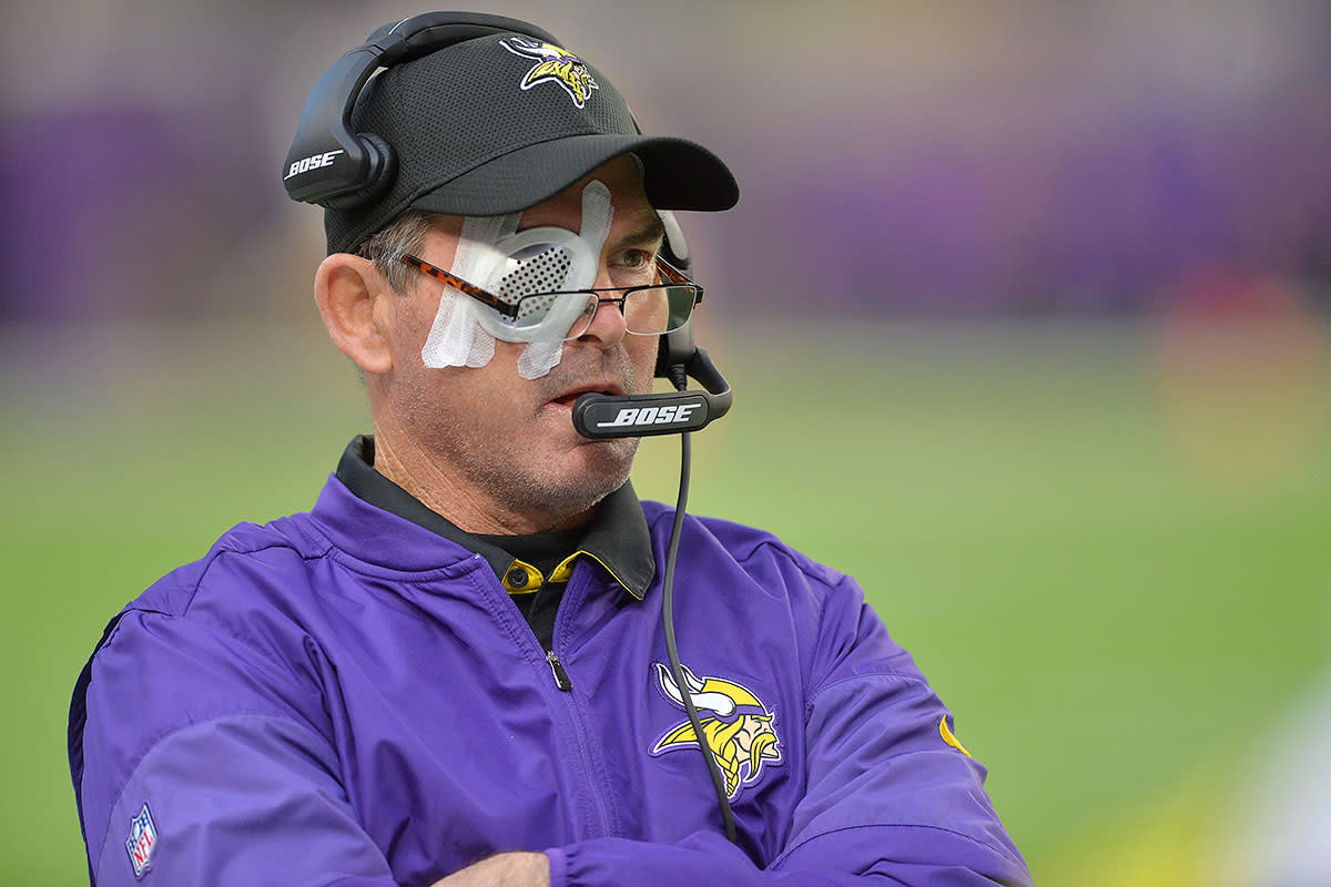 After being forced to sit out the Vikings' game against the Cowboys on Dec. 1 after two eye surgeries to fix a torn retina, Mike Zimmer returned to the sidelines the following week for a win against the Jaguars.