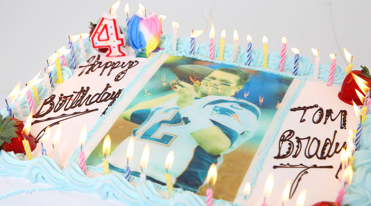 Tom Brady will likely not be enjoying cake like this on his 40th birthday.