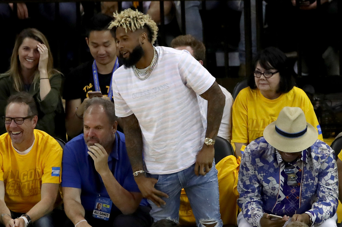 Odell Beckham Jr. sat courtside at Game 2 of the Cavs-Warriors NBA Finals series on Sunday night in Oakland.