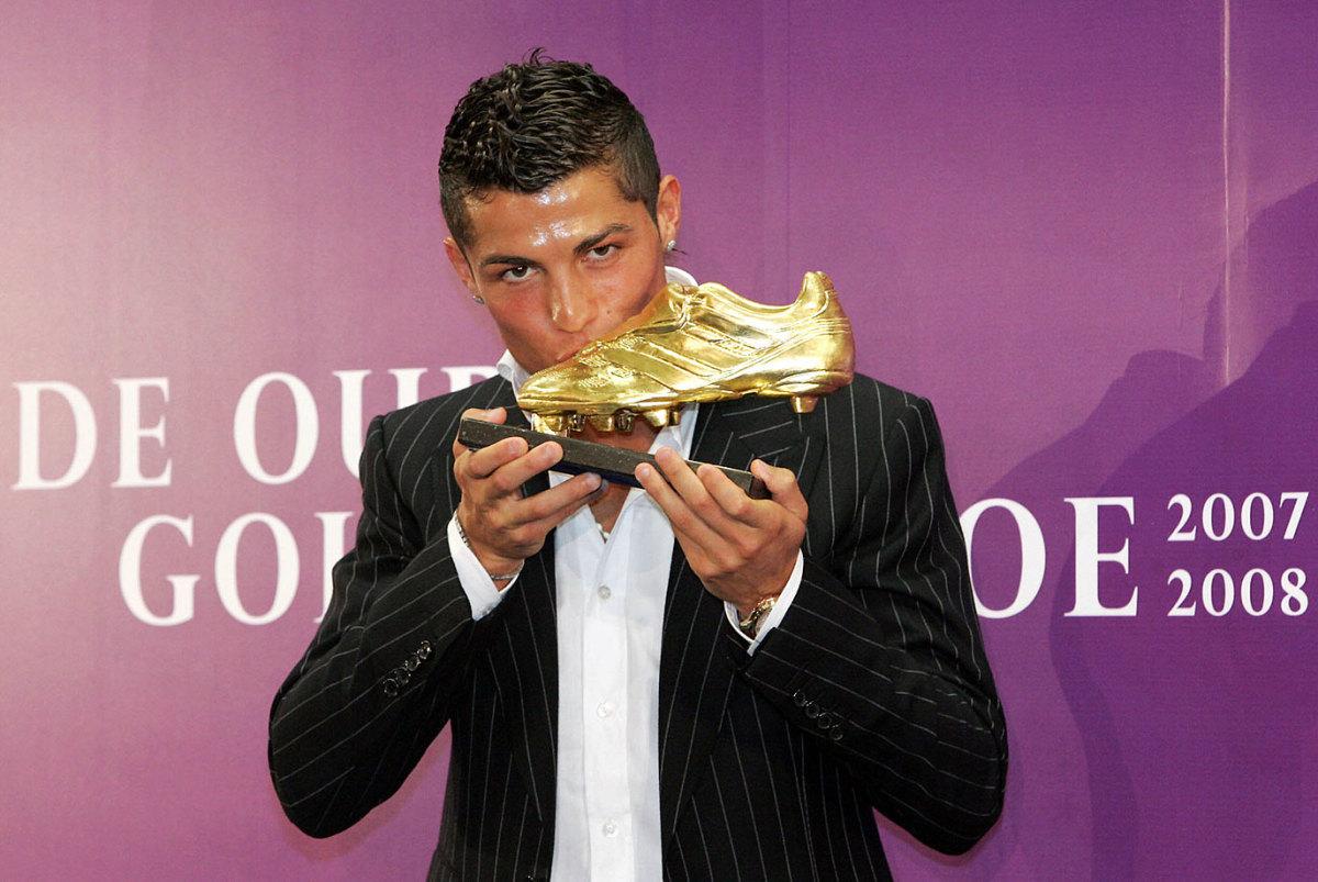 2008-Cristiano-Ronaldo-Golden-Shoe.jpg