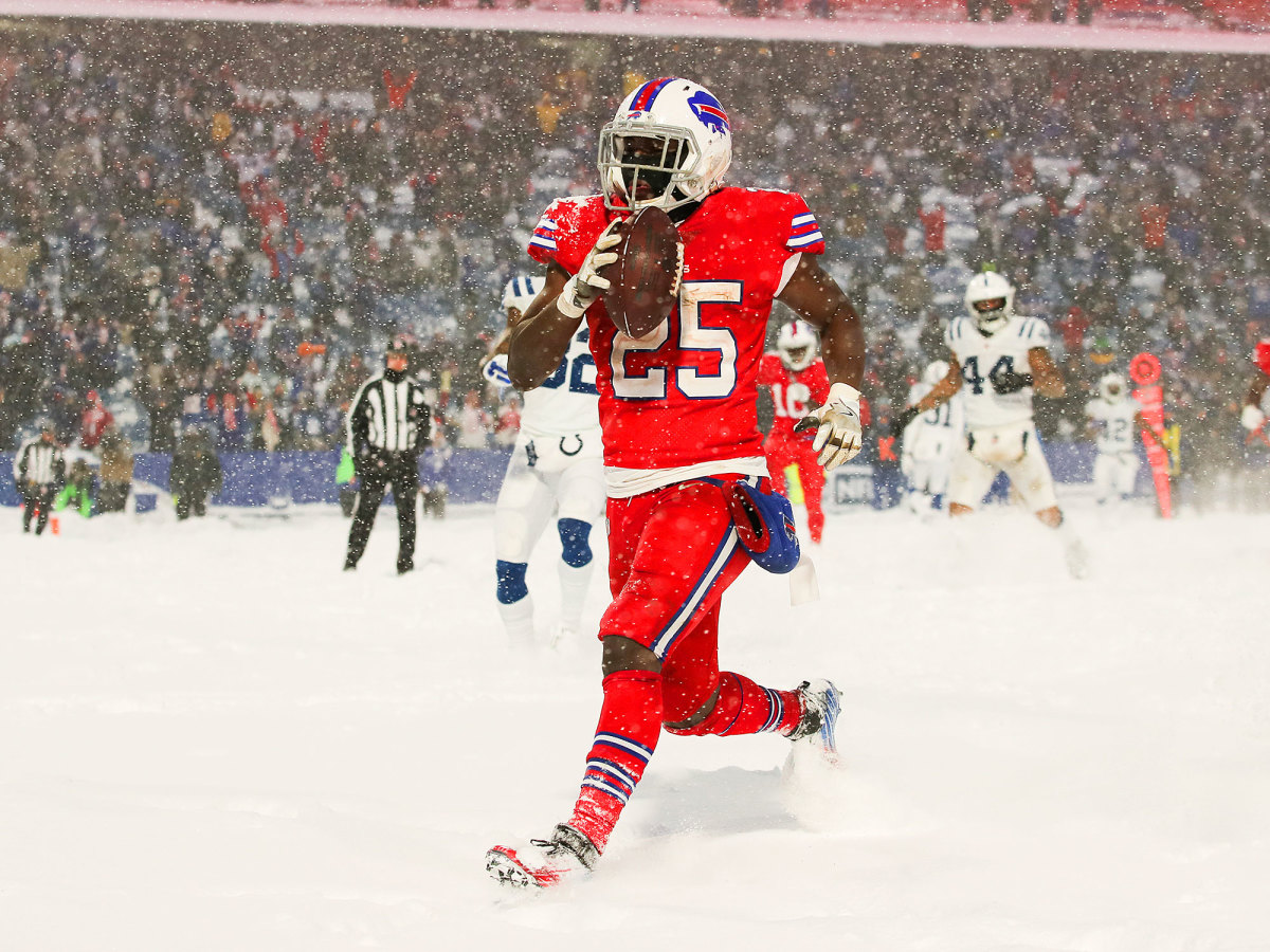 lesean-mccoy-bills-colts-sno-wgame.jpg