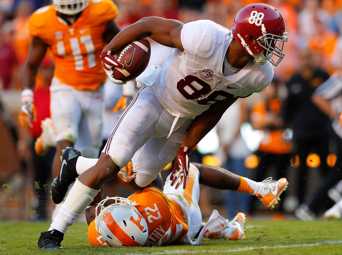 Alabama's O.J. Howard is expected to be one of the first tight ends drafted in April.