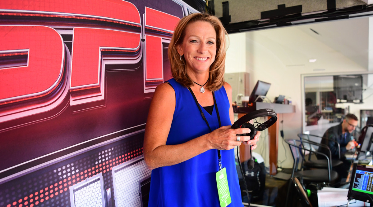 Mowins, who has been doing Raiders preseason games since 2016, will call multiple NFL games for CBS this season, in addition to her MNF season-opener.