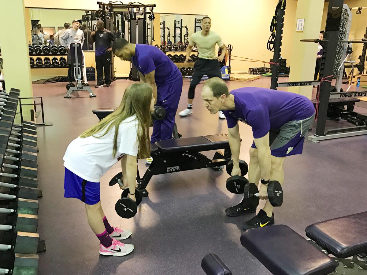mike-hopkins-washington-huskies-basketball-new-coach-workout.jpg