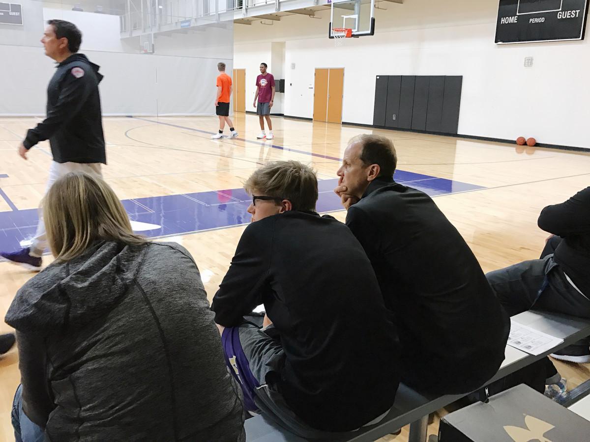 mike-hopkins-washington-huskies-basketball-new-coach-aau-practice.jpg