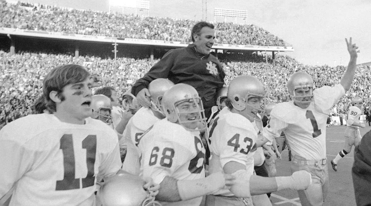 Former ND head coach Ara Parseghian dies at 94