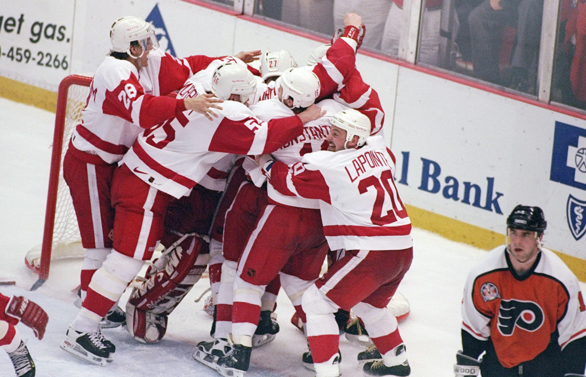 nhl-single-season-red-wings-96-97.jpg