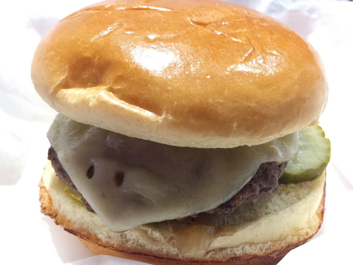 mercedes-benz-burger-.jpg