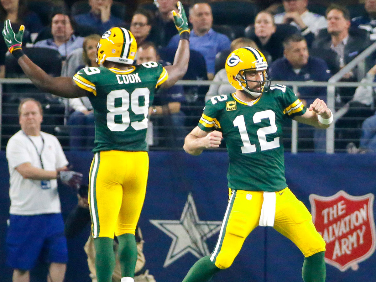 jared-cook-aaron-rodgers-green-bay-packers.jpg