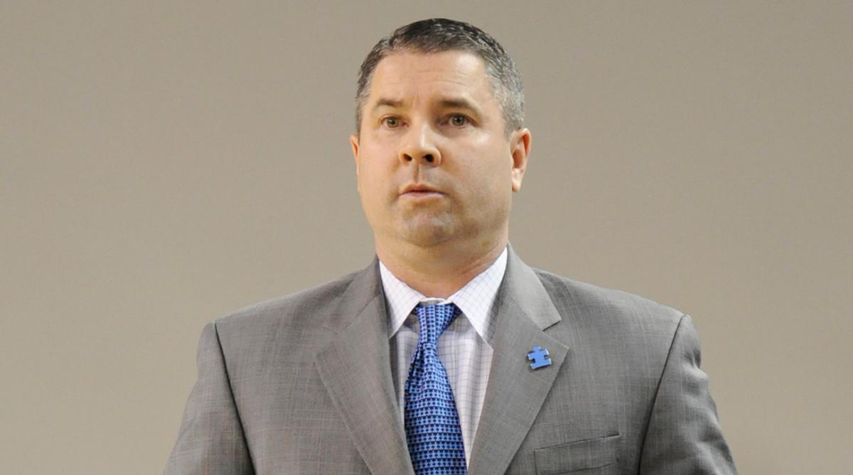 coaches-powering-forward-autism-wisconsin-michigan-state.jpg