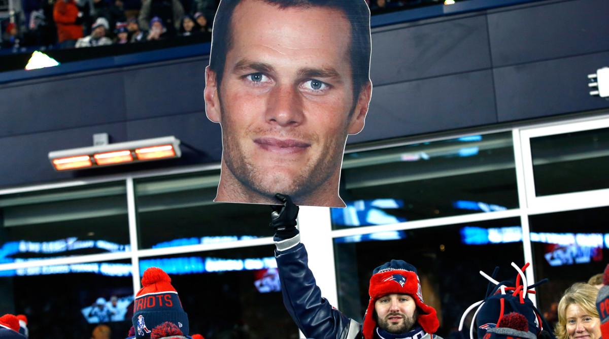 mmqb-patriots-fans-tom-brady-big-head.jpg