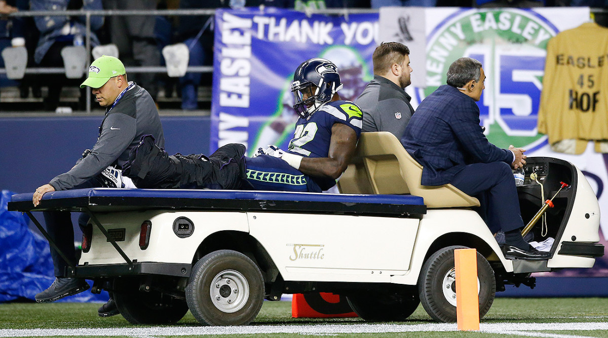 Seahawks RB Chris Carson falls victim to a leg fracture and a high ankle sprain in his first start of the season for the Seahawks.
